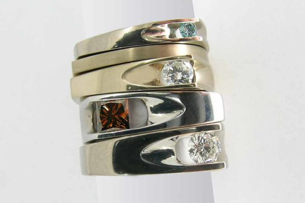 Groove gold and diamond rings