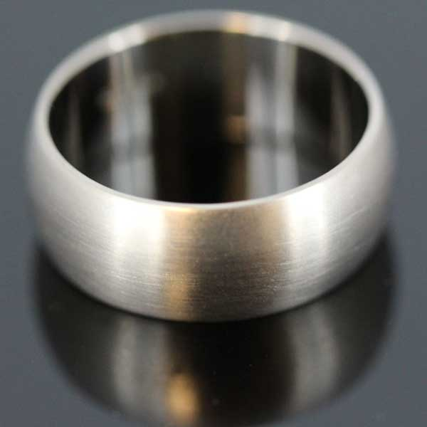 Men's bespoke white gold wedding ring