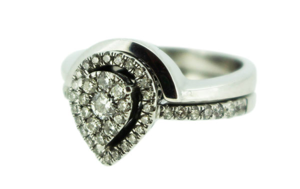 Fitted wedding for marquise ring