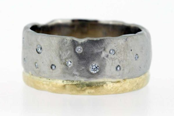 Molten bi-colour gold band with scattered diamonds