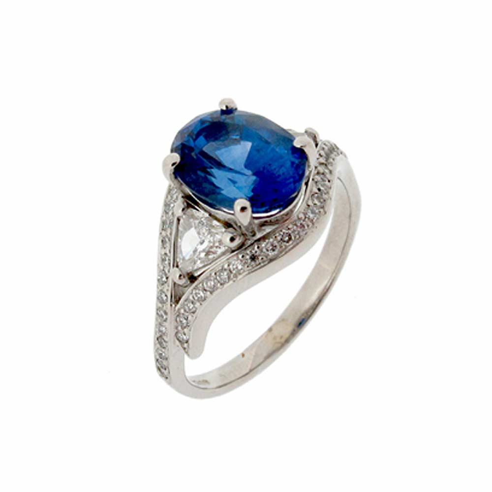 Sapphire and trillion diamond ring