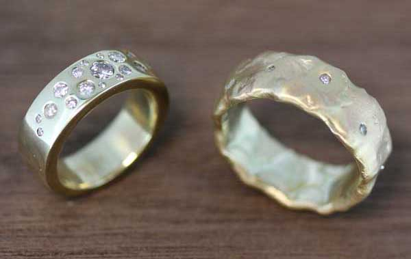 Pair of recycled gold wedding bands