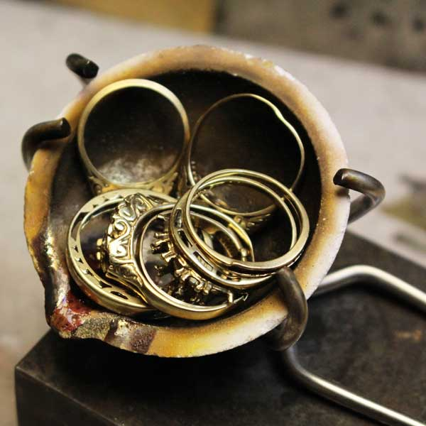 Old gold jewellery ready to melt